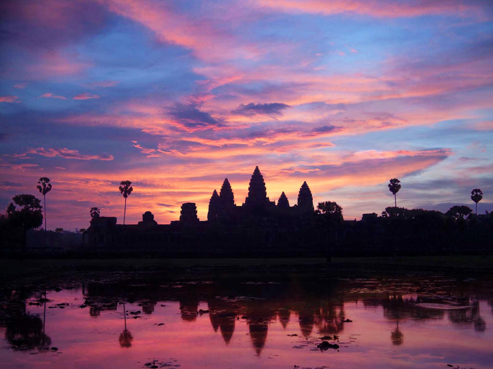 Angkor-Wat-sunrise-01